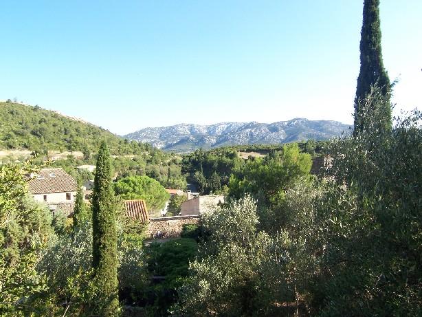 Très belle vue surplombant le village de Fraïsse